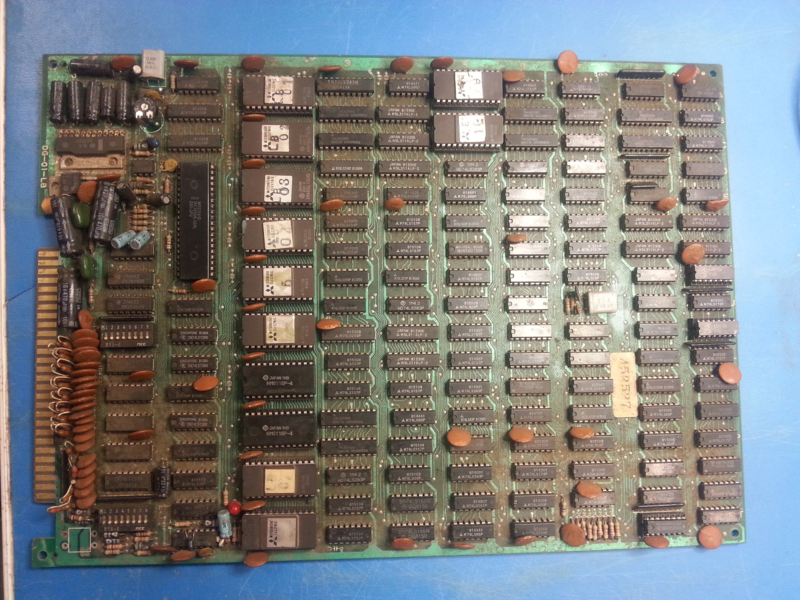 An overview of the board just before the repair.